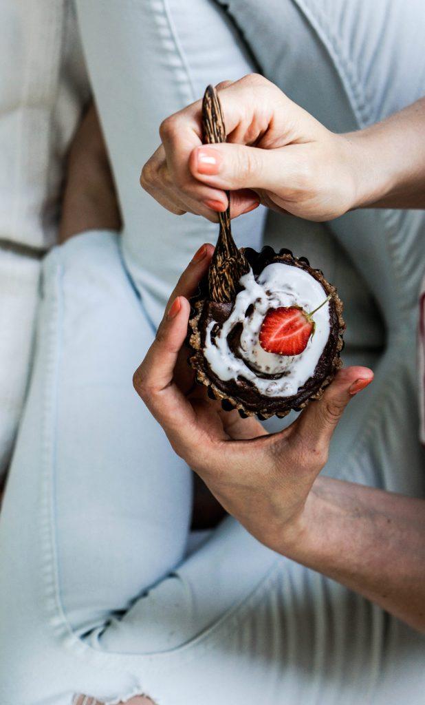 Raw Fig Tartes with Chocolate Coconut Frosting Glutenfree Dairyfree Sugarfree