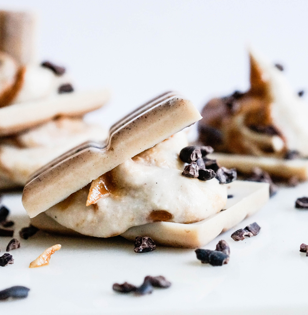 White Vanilla Chocolate Sandwiches with Peanut Butter Cream Vegan