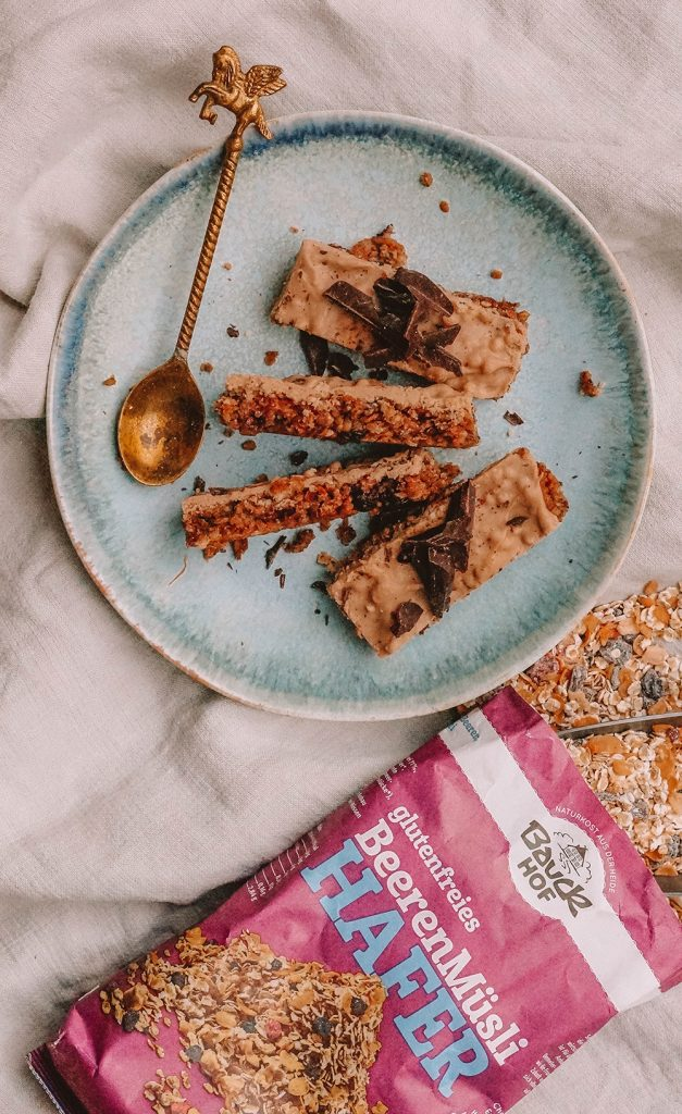 Healthy Vegan Apple Pie Flapjacks