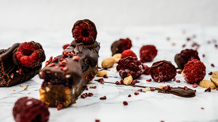 raw-salted-peanutbutter-jam-chocolate-bar