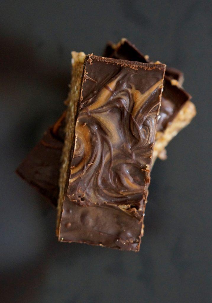 Raw Salted Caramel Crispy Slice vegan Glutenfree Sugarfree