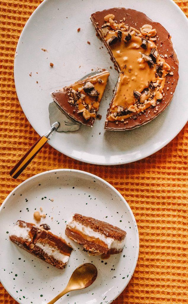 No-Bake Vegan peanut butter chocolate cake